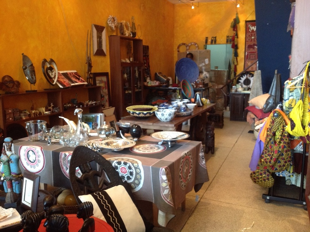 Okapi une des plus jolies boutiques d artisanat de luanda vivre en angola - Magasin japonais paris ...
