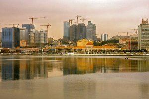 Le skyline de Luanda avec la nouvelle marginale