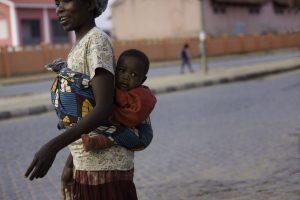 A nossa criança as costas - Artur Nunes Da Silva