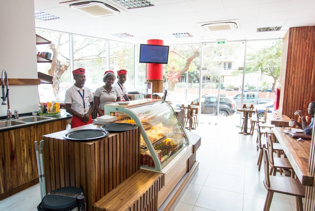 Le Cafe Luanda