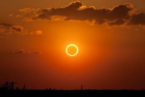 Eclipse annulaire en Angola
